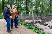 Koning bezoekt Herenboeren Wilhelminapark