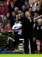 Photo: Jed Wee.<br />Middlesbrough v Manchester Utd. The Barclays Premiership. 29/10/2005.<br /><br />Manchester United manager Sir Alex Ferguson tries to mobilise his shell-shocked troops.