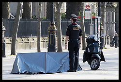 April 18, 2018 - London, London, United Kingdom - Image licensed to i-Images Picture Agency. 18/04/2018. London, United Kingdom. A small tent covers what is thought to be a body after a road traffic accident on the Embankment in London. (Credit Image: © Stephen Lock/i-Images via ZUMA Press)