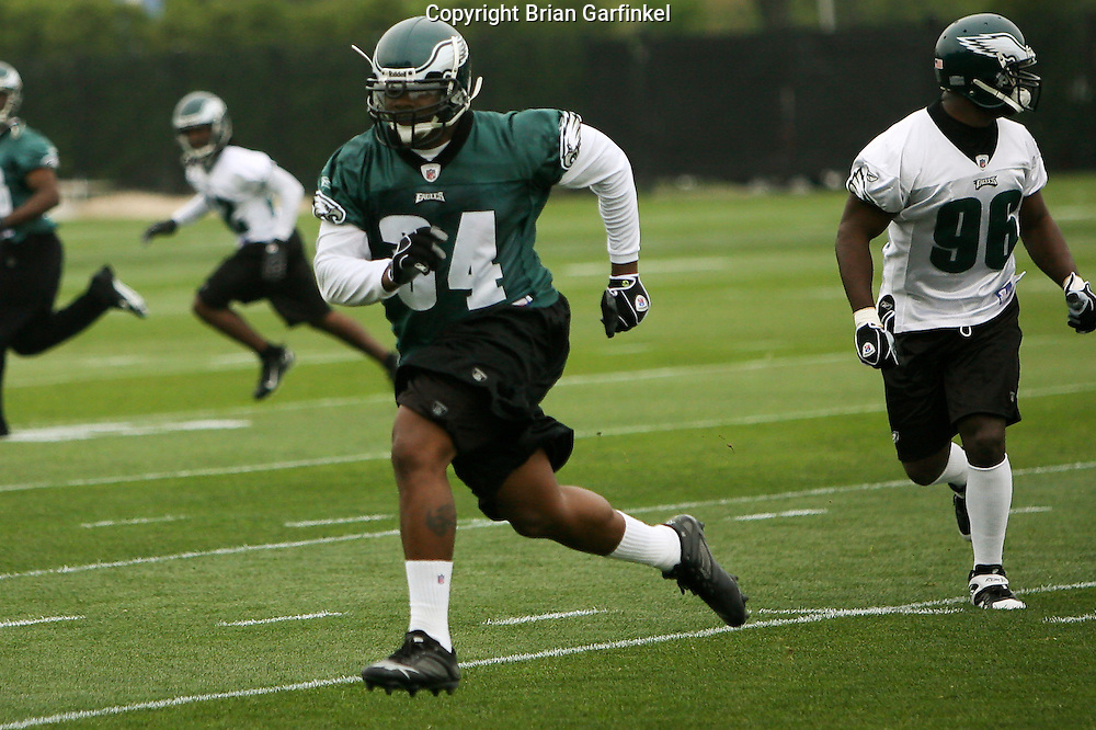Philadelphia, PA - May 3rd 2008 - Jason Davis of the Philadelphia Eagles completes a drill during the Eagle's Mini-Camp  practice session at the Novacare Complex in Philadelphia Pennsylvania.