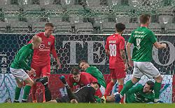 Kevin Stuhr Ellegaard (FC Helsingør) har sikret sig bolden under kampen i 1. Division mellem Viborg FF og FC Helsingør den 30. oktober 2020 på Energi Viborg Arena (Foto: Claus Birch).