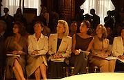 Yves St. Laurent couture show. Intercontinental. Paris. 11 July 2001. © Copyright Photograph by Dafydd Jones 66 Stockwell Park Rd. London SW9 0DA Tel 020 7733 0108 www.dafjones.com