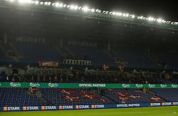 Meget få tilskuere på tribunen under venskabskampen mellem Danmark og Sverige den 11. november 2020 på Brøndby Stadion (Foto: Claus Birch).