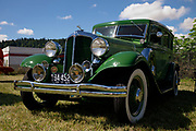 1932 Chrysler at Wings and Wheels.