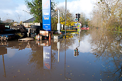 © Licensed to London News Pictures. 16/11/2019. Upton upon Severn, Worcestershire, UK. The B4211, Hanley road, is closed at Upton upon Severn in Worcestershire. After several days of heavy rainfall, there is severe flooding in many parts of  Worcestershire, UK. Photo credit: Graham M. Lawrence/LNP