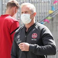 nph00001  17.05.2020 --- Fussball --- Saison 2019 2020 --- 2. Fussball - Bundesliga --- 26. Spieltag: FC Sankt Pauli - 1. FC Nürnberg ---  DFL regulations prohibit any use of photographs as image sequences and/or quasi-video - Only for editorial use ! --- <br /> <br /> Jens Keller (Trainer Cheftrainer Coach 1. FC Nürnberg ) mit Mundschutz Maske <br /> <br /> Foto: Daniel Marr/Zink/Pool//via Kokenge/nordphoto