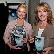 NLD/Amsterdam/20110324 - Boekpresentatie Chimaera van Xenia Kasper, Bridget Maasland en Xenia Kasper