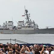 NLD/Terneuzen/20190831 - Start viering 75 jaar vrijheid, Marine schip tijdens de vlootschouw
