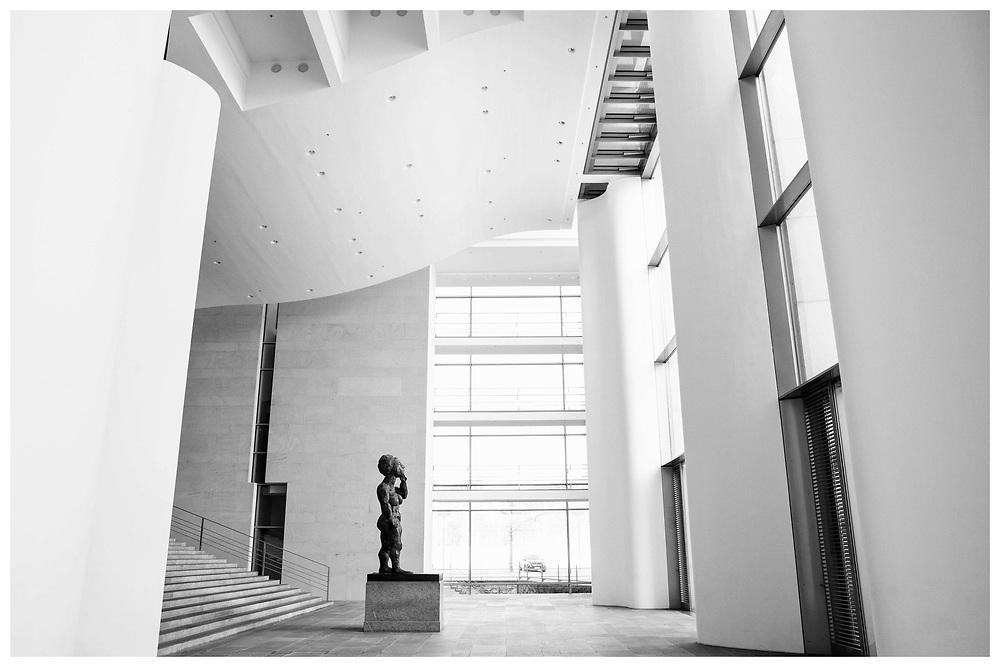 Rundgang durch das leere Bundeskanzleramt in Berlin