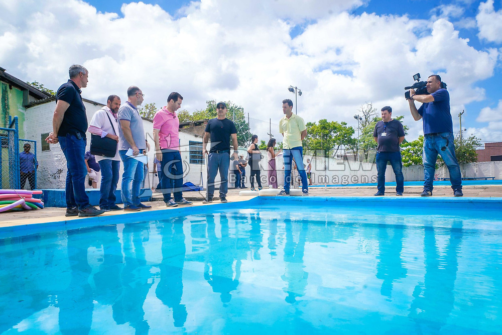 Porto Alegre, RS - 03/01/2020: Prefeito Nelson Marchezan Júnior realizou vistoria das piscinas comunitárias do Centro de Comunidade Primeiro de Maio (CEPRIMA), do Centro de Comunidade Vila Floresta (CECOFLOR) e  do Centro Comunitário Vila Ingá (CEVI) que serão abertas ao público a partir deste sábado, dia 4. Foto: Jefferson Bernardes/PMPA