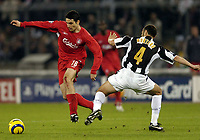 Fotball<br /> Champions League 2004/05<br /> Juventus v Liverpool<br /> 13. april 2005<br /> Foto: Digitalsport<br /> NORWAY ONLY<br /> Antonio Nunez skips over a challenge from Juve's Paolo Montero