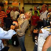 NLD/Amsterdam/20050702 - Bridget Maasland terug uit Bukarest met zwerfhonden die afgemaakt zouden worden