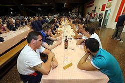 GLI AZZURRI A CENA NELLA MENSA DELLA COMUNITA'<br /> NAZIONALE VOLLEY MASCHILE A SAN PATRIGNANO<br /> CORIANO (RN) 30-06-2014<br /> FOTO GALBIATI - RUBIN