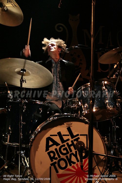 FERNDALE, MI, SATURDAY, DEC. 9, 2006: All Right Tokyo, Rick Browarski at Magic Bag, Ferndale, MI, 12/09/2006. (Image Credit: Michael Spleet / 2SnapsUp Photography)