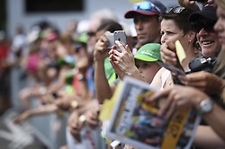 June 17, 2017 - Schaffhausen, Schweiz - Schaffhausen, 17.06.2017, Radsport - Tour de Suisse, Fans und Autogramm - Jäger an der Tour de Suisse. (Credit Image: © Melanie Duchene/EQ Images via ZUMA Press)