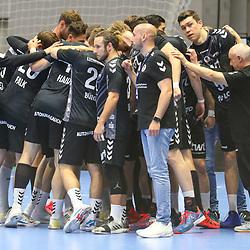 Handball, 31. Spieltag: MT Melsungen vs Die Eulen Ludwigshafen am 27.05.2021 in der Rothenbach-Halle in Kassel<br /> <br /> <br /> Das Team der Eulen Ludwigshafen im Teamkreis beim Spiel in der Handball Bundesliga, MT Melsungen - Die Eulen Ludwigshafen.<br /> <br /> Foto © PIX-Sportfotos *** Foto ist honorarpflichtig! *** Auf Anfrage in hoeherer Qualitaet/Aufloesung. Belegexemplar erbeten. Veroeffentlichung ausschliesslich fuer journalistisch-publizistische Zwecke. For editorial use only.