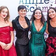 NLD/Amsterdam/20170924 - Première Was Getekend, Annie M.G. Schmidt, Nurlaila Karim en familie