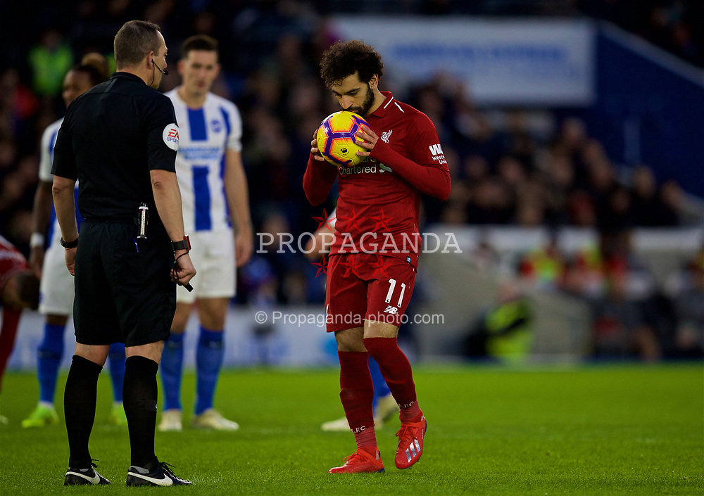 BRIGHTON AND HOVE, ENGLAND - Saturday, January 12, 2019: Liverpool's Mohamed Salah kisses the ball as he prepares to take a penalty kick during the FA Premier League match between Brighton & Hove Albion FC and Liverpool FC at the American Express Community Stadium. Liverpool won 1-0. (Pic by David Rawcliffe/Propaganda)