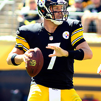 Pittsburgh Steelers quarterback Ben Roethlisberger (7) steps back to pass in the second quarter against the Cleveland Browns at Heinz Field in Pittsburgh on September 7, 2014.  UPI/Archie Carpenter