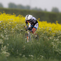 CYCLING 's-Heerenhoek: De eerste tijdrit voor vrouwen in het kader van de tijdritcompetitie werd verreden voorafgaand aan de omloop van Borsele. Claudia Haussler