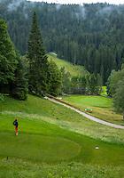 SEEFELD Tirol   Oostenrijk,  - tee hole 9. Golfclub Seefeld Wildmoos.    COPYRIGHT KOEN SUYK