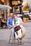 20 SEPTEMBER 2006 - NEW ORLEANS, LOUISIANA: A man plays a stand up bass on Jackson Square in New Orleans. Photo by Jack Kurtz / ZUMA Press