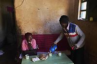 Kenya, Kericho county, Kericho, maison de Evaline Chebe, 35 ans, cueilleuse de thé // Kenya, Kericho county, Kericho, Evaline CHebe, 35 old, tea picker at home