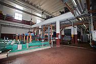 Nosedo, Milano : Impianto di depurazione delle acque reflue. nella foto le popme che inviano il fango nelle filtropresse. Nosedo Waste Water Treatment plant