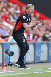 Bournemouth manager Eddie Howe urges his side on - Rogan Thomson/JMP - 14/08/2016 - FOOTBALL - Vitality Stadium - Bournemouth, England - Bournemouth v Manchester United - Premier League Opening Weekend.