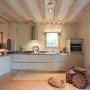 Country Kitchen 684