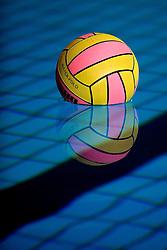 06-01-2008 WATERPOLO: EKT NEDERLAND - FRANKRIJK: AMSTERDAM<br /> De Nederlandse waterpolosters hebben het kwalificatietoernooi voor het Europees kampioenschap gewonnen. Ook Frankrijk werd verslagen met 13-2 / Ballen lijnen doel creative illustratief waterpolo<br /> ©2007-WWW.FOTOHOOGENDOORN.NL