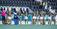 AMSTELVEEN - line up HDM tijdens de competitie hoofdklasse hockeywedstrijd dames, Amsterdam-HDM (1-1).  COPYRIGHT KOEN SUYK