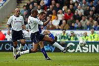 Photograph: Scott Heavey.<br />Leicester City v Tottenham Hotspur. 19/10/2003. FA Barclaycard Premiership.<br />Paul Dickov fires Leicester in to the lead.