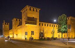 THEMENBILD - Castel Vecchio in Verona bei Nacht, aufgenommen am 28. Juli 2018, Verona, Italien // Castel Vecchio in Verona at night on 2018/07/28, Verona, Italy. EXPA Pictures © 2018, PhotoCredit: EXPA/ Stefanie Oberhauser