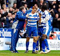 Photo: Alan Crowhurst.<br />Reading v Aston Villa. The Barclays Premiership. 10/02/2007. Reading's Steve Sidwell (C) celebrates his second goal 2-0.