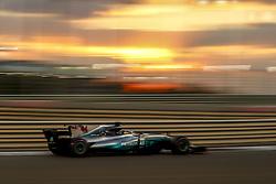 November 26, 2017 - Abu Dhabi, United Arab Emirates - Motorsports: FIA Formula One World Championship 2017, Grand Prix of Abu Dhabi, .#44 Lewis Hamilton (GBR, Mercedes AMG Petronas F1 Team) (Credit Image: © Hoch Zwei via ZUMA Wire)