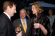The Earl of Derby with Mr. and Mrs. Urs Swarzenbach. Cartier dinner after thecharity preview of the Chelsea Flower show. Chelsea Physic Garden. 23 May 2005. ONE TIME USE ONLY - DO NOT ARCHIVE  © Copyright Photograph by Dafydd Jones 66 Stockwell Park Rd. London SW9 0DA Tel 020 7733 0108 www.dafjones.com