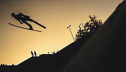 29.09.2018, Energie AG Skisprung Arena, Hinzenbach, AUT, FIS Ski Sprung, Sommer Grand Prix, Hinzenbach, im Bild Anze Lanisek (SLO) // Anze Lanisek of Slovenia during FIS Ski Jumping Summer Grand Prix at the Energie AG Skisprung Arena, Hinzenbach, Austria on 2018/09/29. EXPA Pictures © 2018, PhotoCredit: EXPA/ JFK