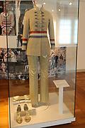 "Beatrix opent tentoonstelling Máxima, 10 jaar in Nederland.//<br /> Queen Beatrix opens the exibition Maxima 10 years in the Netherlands<br /> <br /> Op de foto:<br /> <br />  ""postzak-outfit"" van ontwerper Jan Taminiau // ""mailbag outfit"" by designer Jan Taminiau"