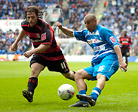 Photo: Ed Godden.<br /> Reading v Queens Park Rangers. Coca Cola Championship. 30/04/2006. James Harper (R) crosses the ball in to the box for Reading.