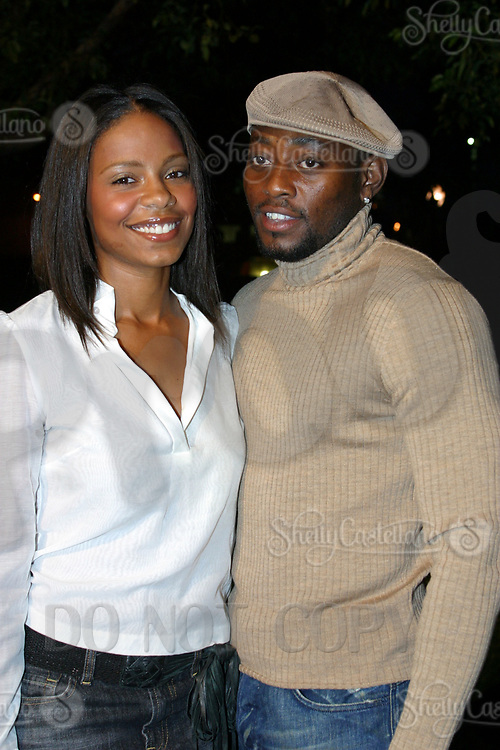 Sep 20, 2002; Hollywood, CA, USA; Actor OMAR EPPS arrives with actress girlfriend SANAA LATHAN at the World Premiere Screening of 'Conviction' at the Paramount Theatre. <br />Mandatory Credit: Photo by Shelly Castellano/ZUMA Press.<br />(©) Copyright 2002 by Shelly Castellano