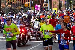 06-11-2016 USA: NYC Marathon We Run 2 Change Diabetes day 3, New York<br /> De dag van de marathon, 42 km en 195 meter door de straten van Staten Island, Brooklyn, Queens, The Bronx en Manhattan / Police, Politie, beveiliging