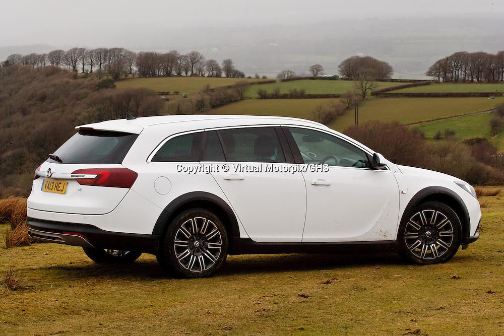 Vauxhall Insignia Country Tourer (2014)