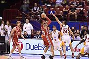 DESCRIZIONE : Milano Lega A 2014-15 <br /> EA7 Olimpia Milano - Acea Virtus Roma <br /> GIOCATORE : Daniel Hackett<br /> CATEGORIA : tiro controcampo <br /> SQUADRA : EA7 Olimpia Milano<br /> EVENTO : Campionato Lega A 2014-2015 <br /> GARA : EA7 Olimpia Milano - Acea Virtus Roma<br /> DATA : 12/04/2015<br /> SPORT : Pallacanestro <br /> AUTORE : Agenzia Ciamillo-Castoria/GiulioCiamillo<br /> Galleria : Lega Basket A 2014-2015  <br /> Fotonotizia : Milano Lega A 2014-15 EA7 Olimpia Milano - Acea Virtus Roma