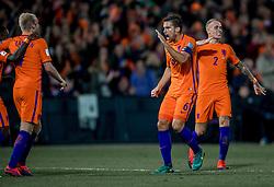 07-10-2016 NED: WK kwalificatie Nederland - Wit-Rusland, Rotterdam<br /> Het Nederlands elftal heeft in De Kuip een 4-1 overwinning op Wit-Rusland geboekt / Davy Klaassen scoort in de rebound de 3-1 en Quincy Promes of Holland viert alvast het feestje met Kevin Strootman