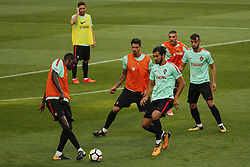 October 8, 2017 - Lisboa, Portugal - Portuguese midfielders William Carvalho, Andre Gomes, Bruno Fernandes and defenders Jose Fonte, Antunes during National Team Training session before the match between Portugal and Switzerland at Luz Stadium in Lisbon on October 8, 2017. ....(Photo by Luis Moreira/NurPhoto) (Credit Image: © Filipe Amorim/NurPhoto via ZUMA Press)