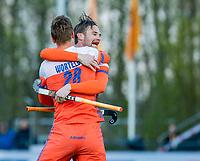 ROTTERDAM - Mirco Pruijser (NED) scoort   tijdens   de Pro League hockeywedstrijd heren, Nederland-Spanje (4-0) . links Floris Wortelboer (NED)  COPYRIGHT KOEN SUYK