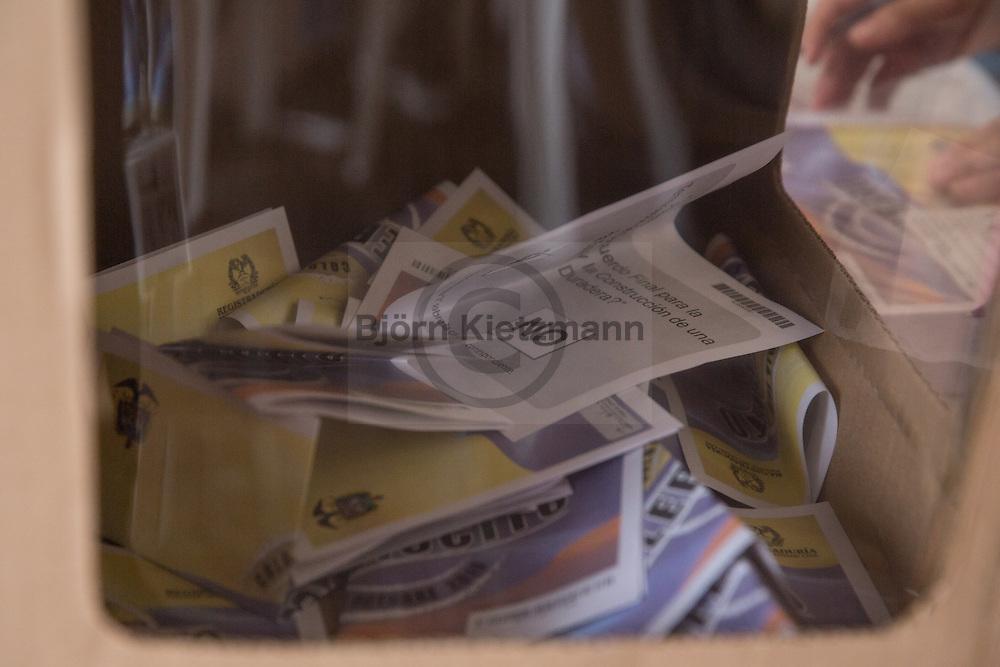 Bogota, Cundinamarca, Colombia - 02.10.2016        <br /> <br /> Polling station of the Colombian peace contract referendum at  Palza de Bolivar in Bogota. The Colombian citizens voting if the peace treaty negotiated between the government and the left FARC guerrilla becomes valid. The FARC has been in war with the Colombian government for 52 years.<br />  <br /> Wahllokal zum kolumbianischen Friedensvertrags-Referendum am Plaza de Bolivar in Bogota. Die kolumbianische Bevölkerung stimmt darüber ab ob der ausgehandelte Friedensvertrag zwischen der Regierung und der linken FARC Guerilla gueltig wird. Die FARC befindet sich seit 52-Jahren im Krieg mit der kolumbianschen Regierung. <br /> <br /> Photo: Bjoern Kietzmann