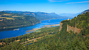 USA, Oregon, Columbia Gorge, Chanticleer Point, a barge passing Vista House, navigating the low water level hazards
