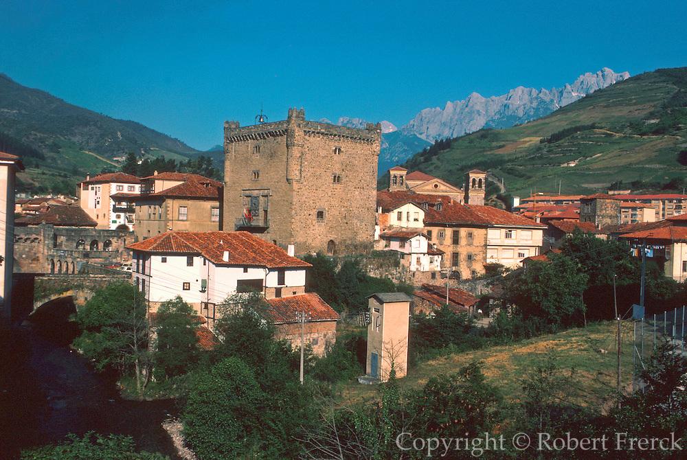 SPAIN, NORTH, CANTABRIA town of Potes in 'Picos de Europa'